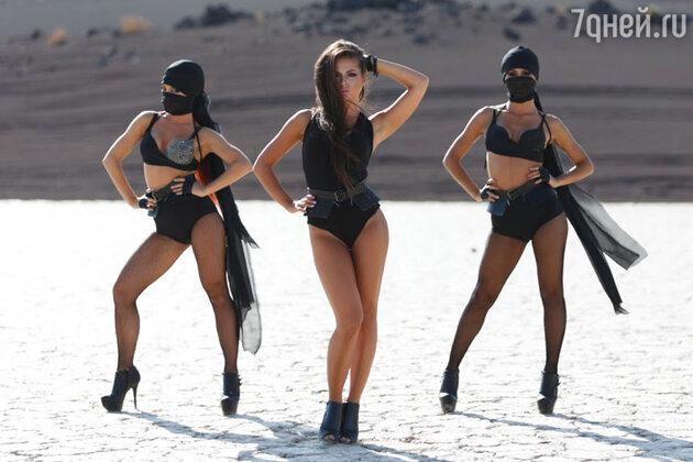 Нюша в клипе на новый сингл «Цунами