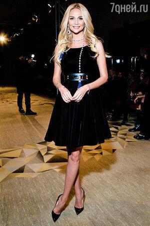Виктория Лопырева в платье от IZETA