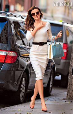 Модный тренд: сумкаМирандыКерр совсем несочетается сее туфлями