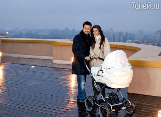 Гордость семьи — огромная терраса, откуда открывается фантастический вид на Киев