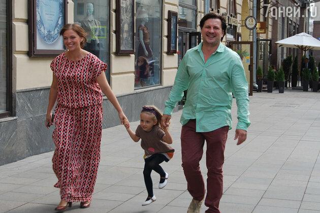 Нелли Уварова с мужем Александром Гришиным и дочкой Ией