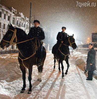 На улицах Москвы воссоздали атмосферу тревожных военных лет