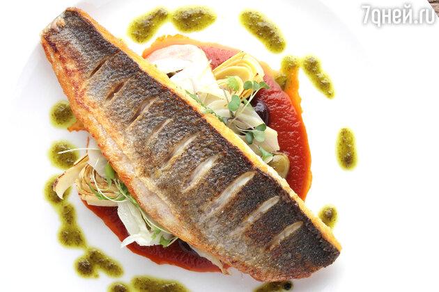 Морской окунь по-ливорнски: рецепт от шеф-повара Мишеля Ломбарди