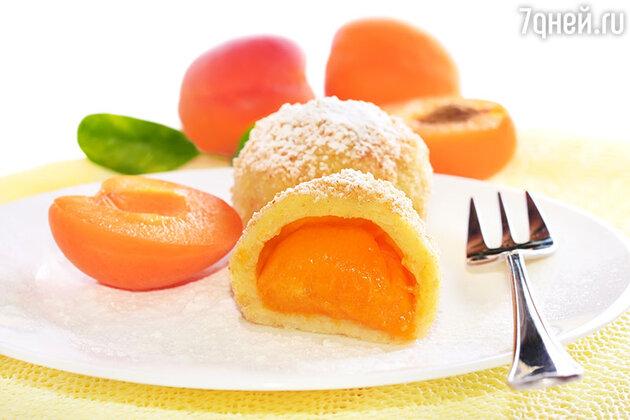 Клецки с абрикосами