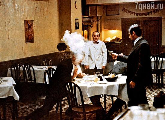 Картина «Крестный отец» вышла в 1972 году, получила три «Оскара»  и в первый год заработала в прокате около 80 миллионов долларов