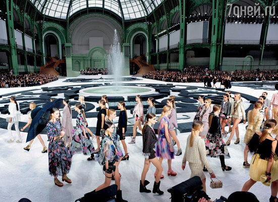 Черно-белый сад Карла Лагерфельда (дефиле «Chanel»)