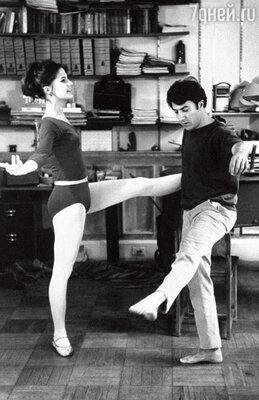 С первой женой, балериной АннойБирн. 1969 г.