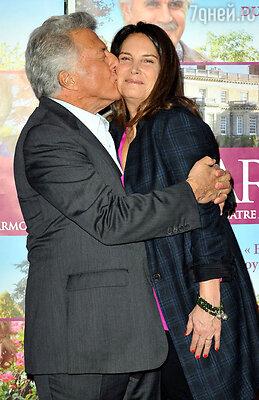 «В комедиях «Знакомство с Факерами» мы все время милуемся и обнимаемся с Барброй Стрейзанд. У нас с женой очень похожие отношения»