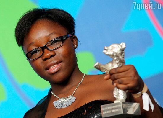 Конголезская актриса Рейчел Муганза, получившая «Серебряного медведя» в номинации «Лучшая актриса» за роль в фильме «Повстанка»