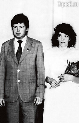 Свадьба родителей. Отец Виктор Михайлович Галушка, мать Тамара Витальевна. 1983 г.