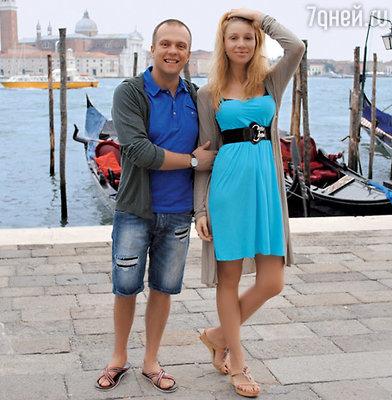 DJ Грув и DJ Sandra (в миру Евгений Рудин и его жена Саша)