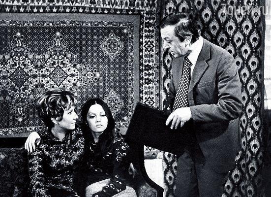 В телеспектакле «В одном микрорайоне» Татьяна Лаврова играла мою маму, а Анатолий Ромашин — отчима