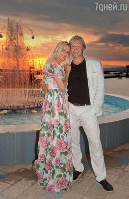 Дмитрий Харатьян с женой Мариной Майко