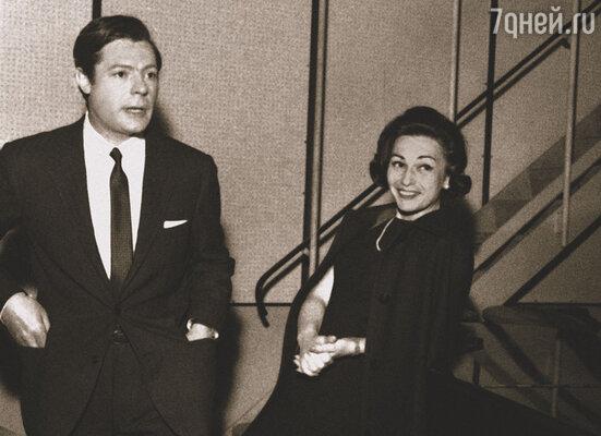 Несмотря на бесчисленные любовные похождения Мастроянни, его жена Флора (на фото) наотрез  отказывалась давать ему развод