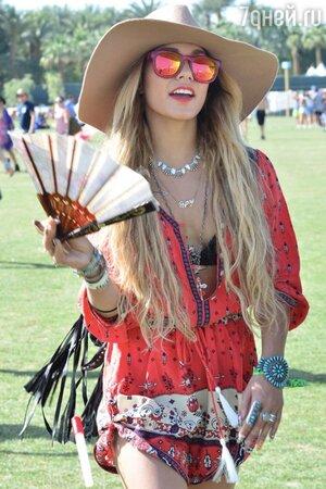 Ванесса Хадженс Coachella 2014