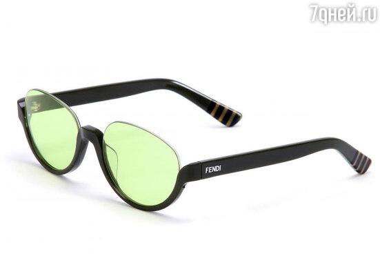 Солнечные очки с цветными линзами – это находка для тех, кто хочет увидеть мир в ином цвете в буквально смысле