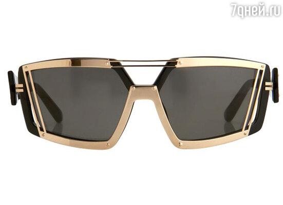 Широкие панорамные или защитные солнечные очки – это одна из самых смелых тенденций весны-лета 2013