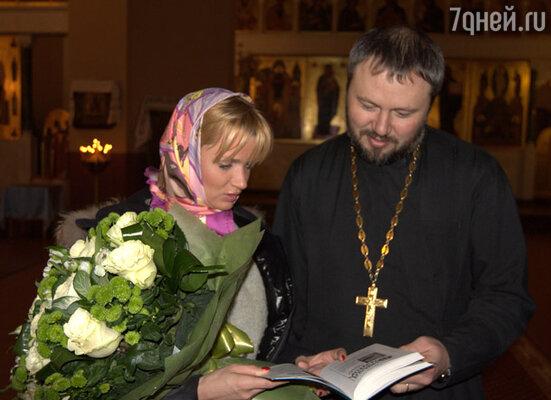 В церкви Покрова Пресвятой Богородицы со священником Андреем Владимировичем