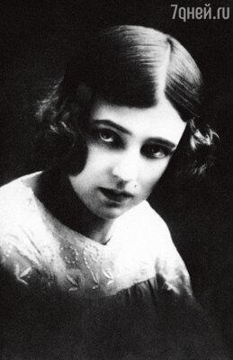 Марина Ладынина — начинающая актриса. 1930-е годы