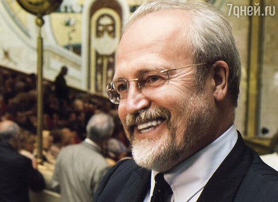 Владимир Хотиненко с наградным знаком