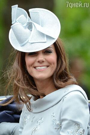 Кейт Миддлтон  на отмечании дня рождения Ее Величества королевы. 2012 год