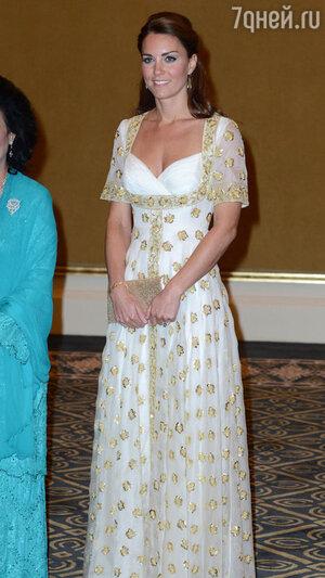 Кейт Миддлтон во время официального визита в Малайзию. 2012 год