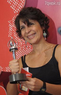 Режиссер Кения Маркес со специальным призом жюри «Серебряный Георгий» за фильм «Срок годности»