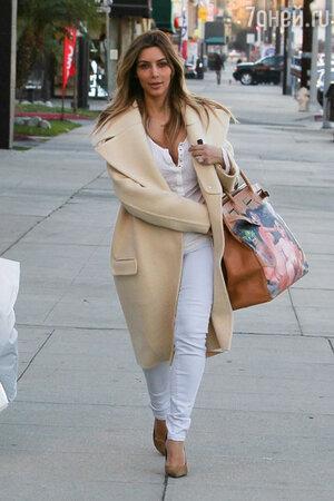 Ким Кардашьян с  сумкой  Hermes модели Birkin