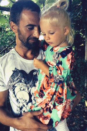 Илья Любимов с дочкой Павлой