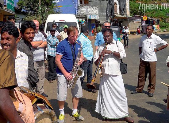 Джем-сейшен с местными музыкантами