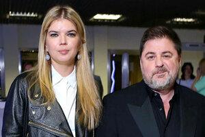 Александр Цекало привел жену на телевизионную премию