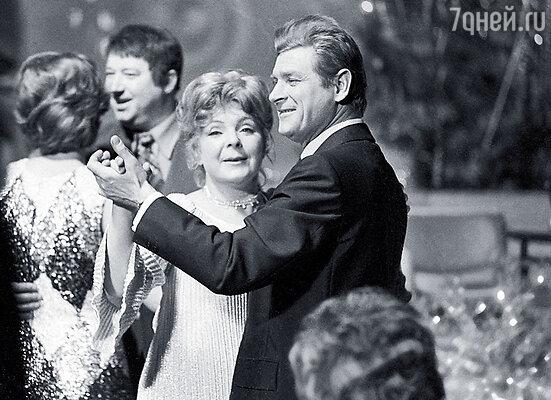 Ольга Аросева с польским актером Станиславом Микульским