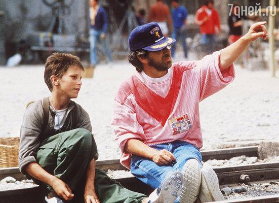 Стивен Спилберг отобрал Кристиана из четырех тысяч мальчишек на главную роль в свой новый фильм «Империя солнца»