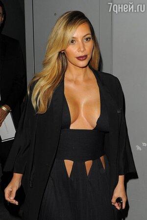 Ким Кардашьян (Kim Kardashian) в Париже