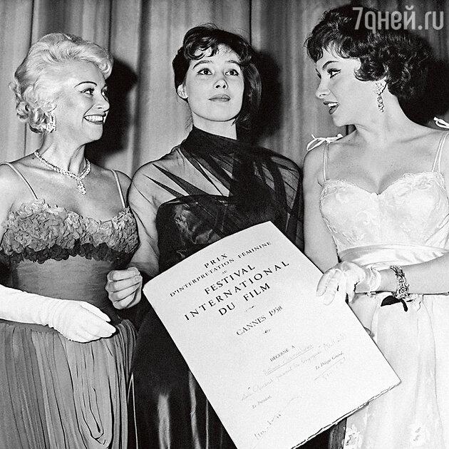 Татьяна Самойлова с Мартин Кароль и Джиной Лоллобриджидой на кинофестивале в Канне. 1958 г.