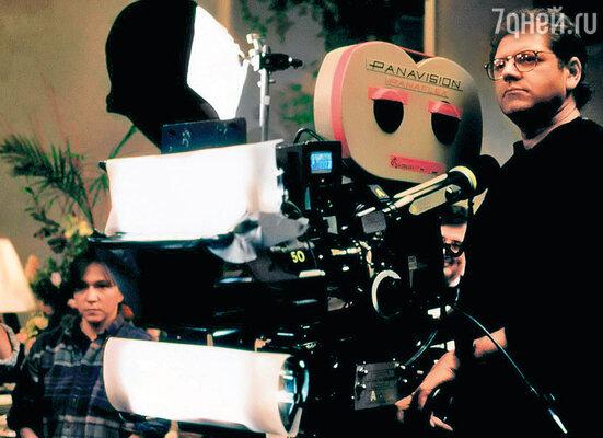 Режиссер Роберт Земекис (на фото) рано разглядел комедийный талант Фокса. 1997 г.