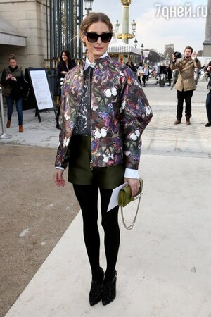Оливия Палермо на показе модного Дома Valentino на неделе моды в Париже