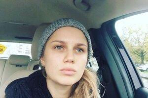 ВИДЕО: Даша Мельникова развлекает сына в машине