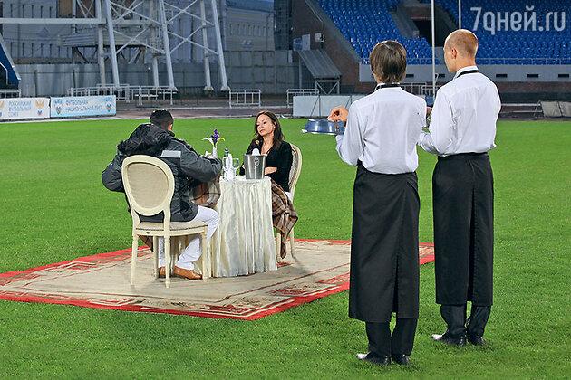 Евгения Добровольская на съемках сериала «Двойная сплошная»