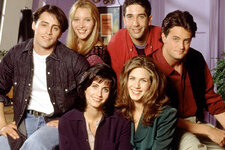 «Друзья»: как выглядят звезды культового сериала спустя 22 года