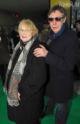 Михаил Ефремов с мамой