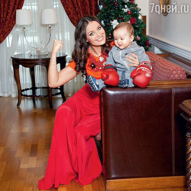 Оксана Федорова с сыном Федей