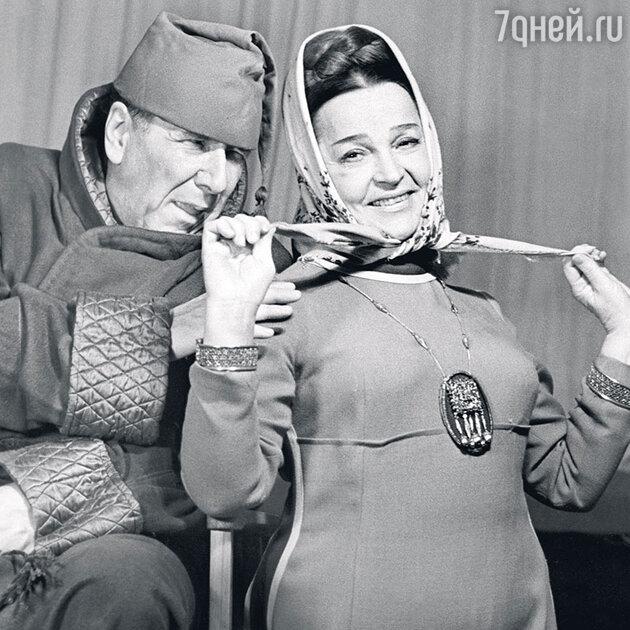 Вера Марецкая иРостислав Плятт вспектакле «Иудушка Головлев». 1972 г.