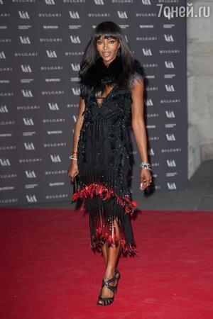 Наоми Кэмпбелл в платье Roberto Cavall на открытии итальянской выставки