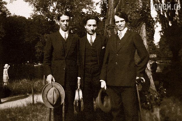 Слева направо: Юрий Терапиано, Довид Кнут и Владислав Ходасевич