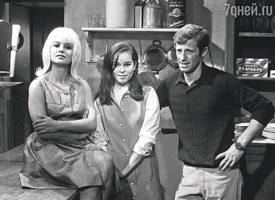Первый же мой агент предложил мне роль в фильме с Жан-Полем Бельмондо. Кадр из картины «Прекрасным летним утром» (слева актриса Софи Домье), 1964 г.