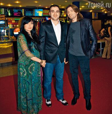 Гарик Мартиросян с супругой Жанной и Дмитрием Маликовым