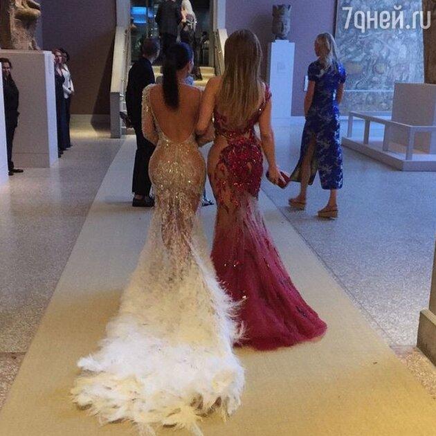 Ким Кардашьян и Дженнифер Лопес