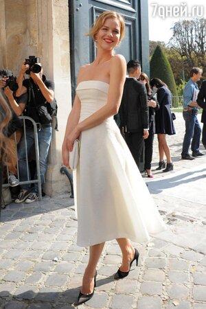 Ева Герцигова в платье от Dior на показе Dior