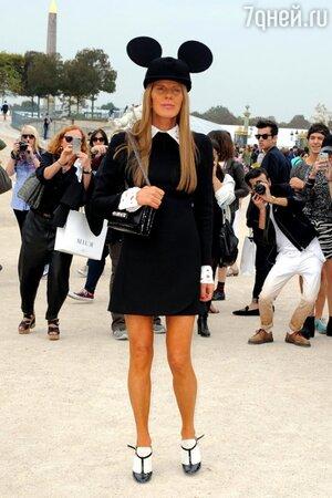 Анна Делло Руссо в платье от Valentino на показе Viktor & Rolf